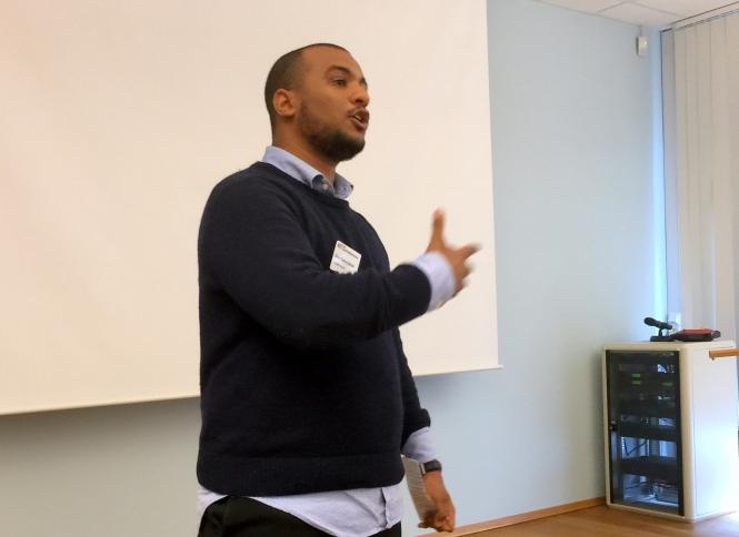 NITO Studentenes leder Omar Gamal åpner utdanningskonferansen. Foto: Erik Devold